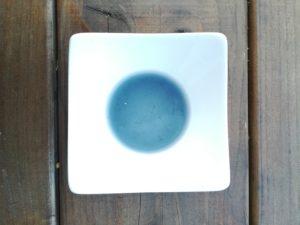 Colorant bleu à base de jus de chou rouge